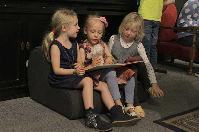 jb-kids-reading